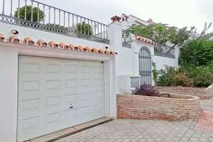 Cluster house for sale in Nueva andalucia, Málaga.