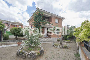 House for sale in Anchuelo, Madrid.