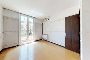 Flat for sale in Barcelona.